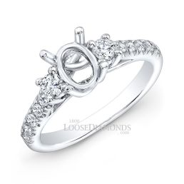 14k White Gold Classic Style Diamond Engagement Ring