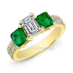 18k Yellow Gold Classic Style Green Emerald & Diamond Engagement Ring